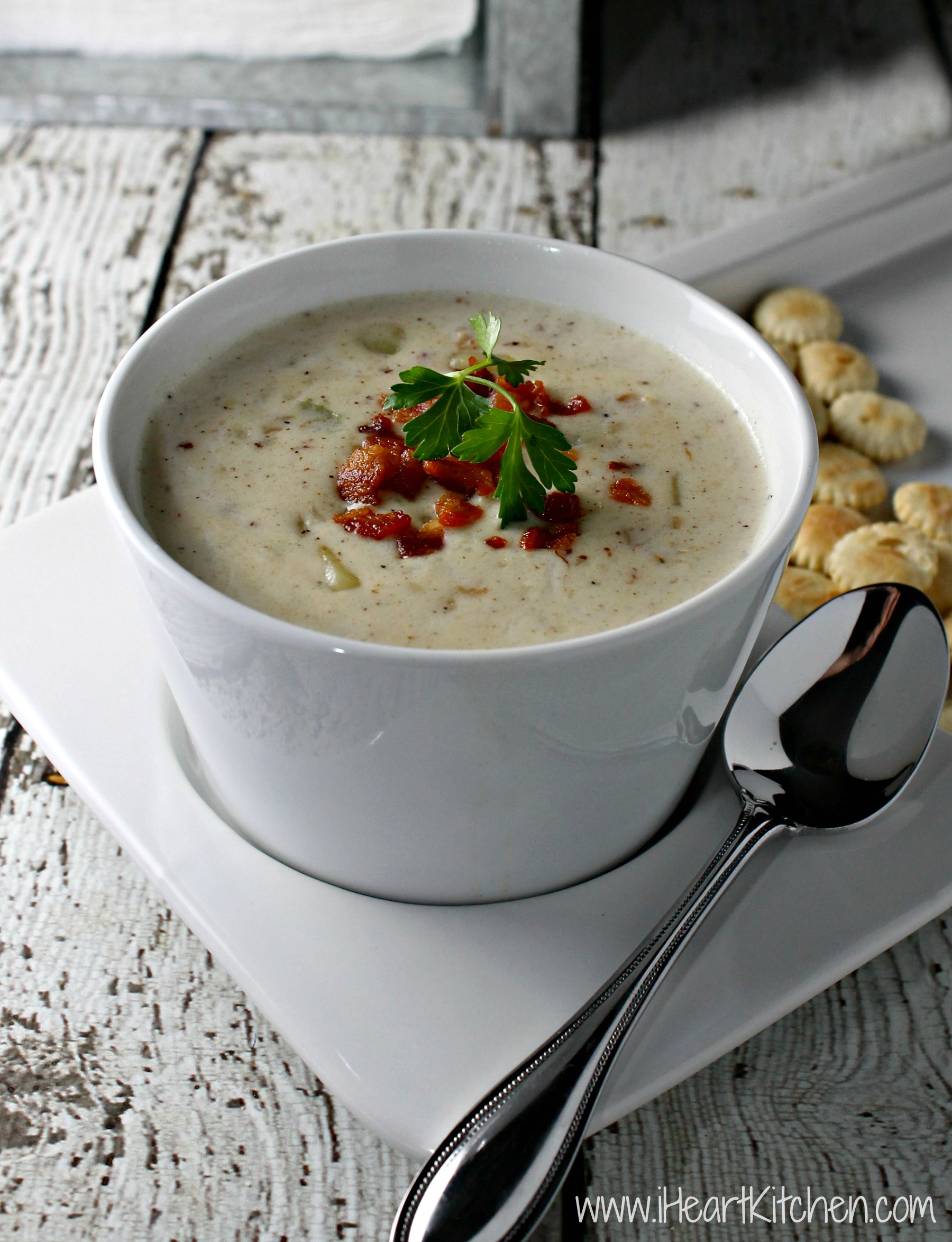 Easy Clam Chowder - I Heart Kitchen