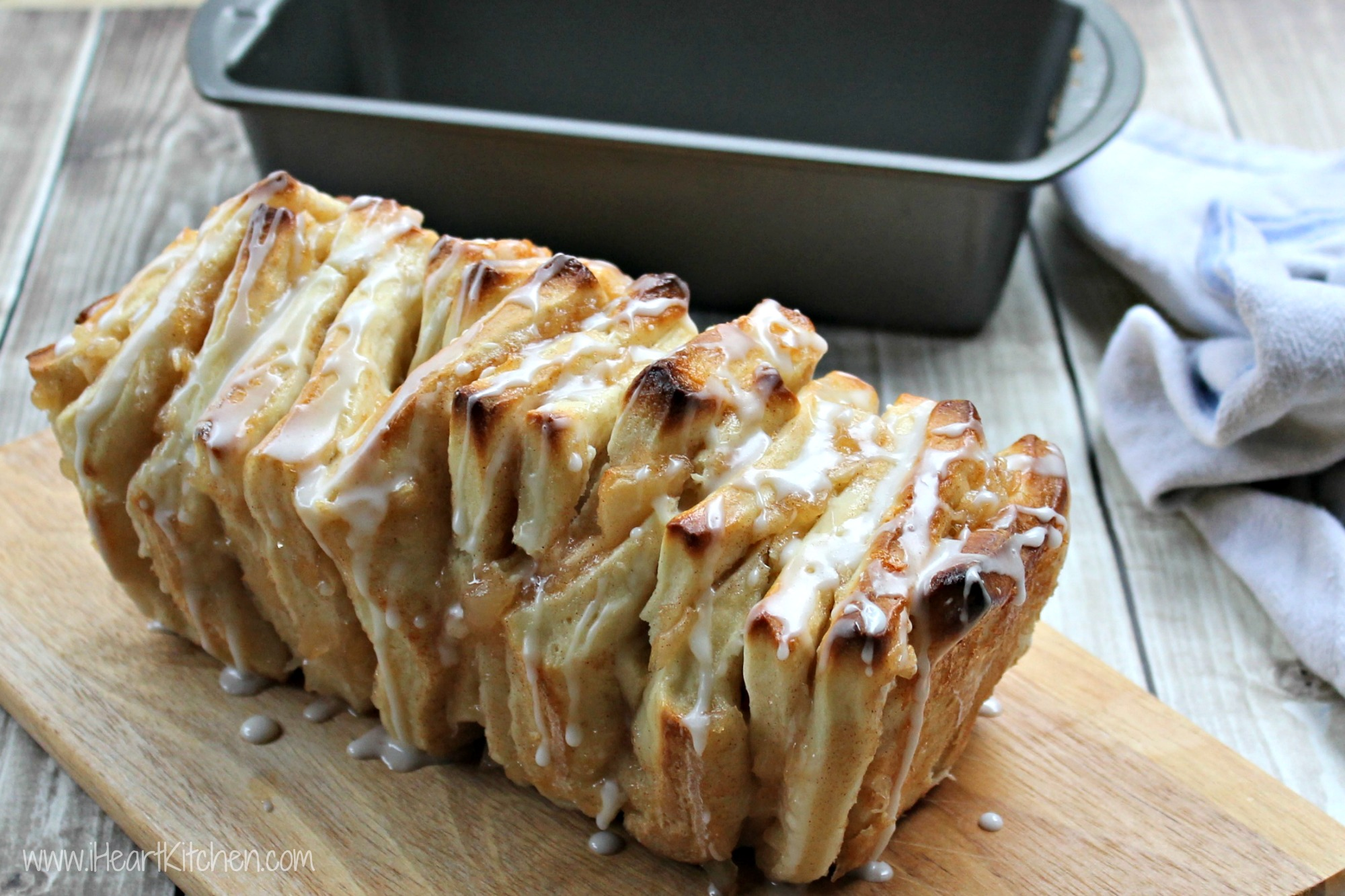 Apple Pull-Apart Bread