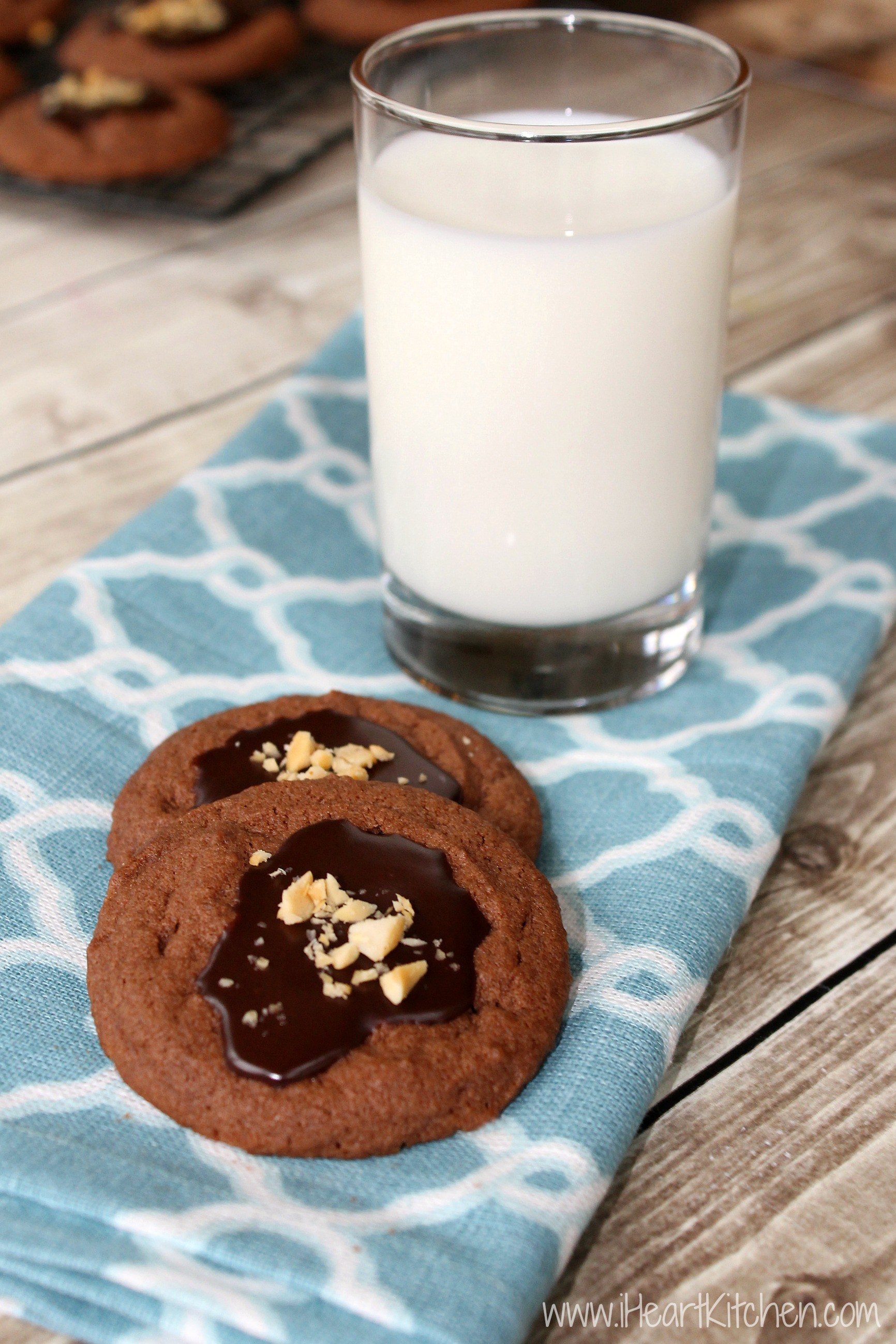 Chocolate-Peanut-Butter-Cookies-With-Fudge